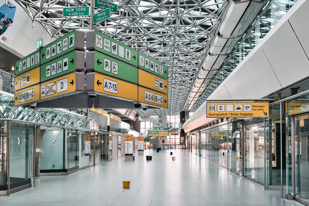 sonambiente berlin txl - 3rd festival for eyes and ears auf dem ehemaligen Flughafen Berlin-Tegel in den denkmalgeschützten Terminalgebäuden A und B. Foto: © Kay-Uwe Rosseburg